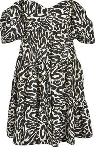 Sukienka Pinko z dekoltem w kształcie litery v z krótkim rękawem w stylu casual