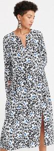 Sukienka Reserved z długim rękawem midi oversize