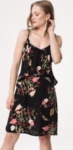 Sukienka born2be mini rozkloszowana