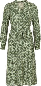 Sukienka Cadadia z dekoltem w kształcie litery v midi z długim rękawem