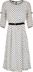 Sukienka Poza w stylu casual z długim rękawem