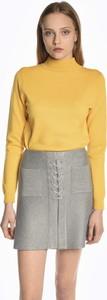Żółty sweter Gate w stylu casual