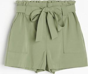 Zielone szorty Reserved