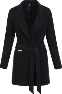 Czarny płaszcz fasoni.pl w stylu casual