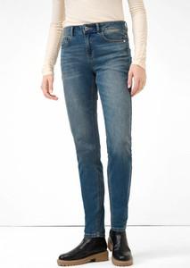 Niebieskie jeansy ORSAY w street stylu