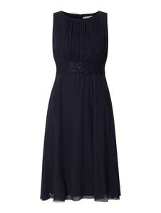 Czarna sukienka Christian Berg Cocktail z szyfonu
