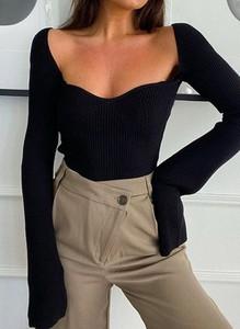 Czarny sweter Arilook w stylu casual