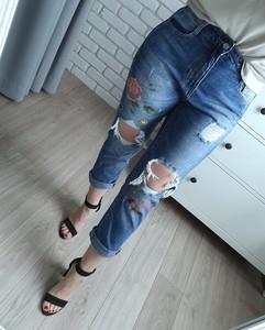 Niebieskie jeansy MON BOUTIQUE z bawełny w street stylu