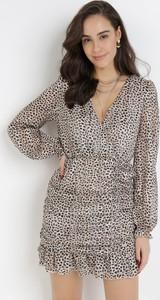 Sukienka born2be w stylu casual mini z dekoltem w kształcie litery v