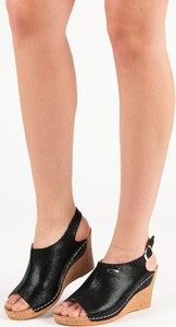 Sandały Czasnabuty na koturnie