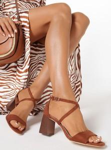 Brązowe sandały born2be na średnim obcasie