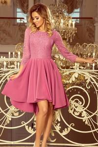 Różowa sukienka NUMOCO z długim rękawem asymetryczna midi