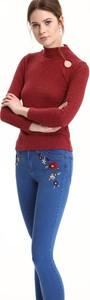 Czerwony sweter Troll w stylu casual