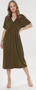Sukienka born2be z dekoltem w kształcie litery v