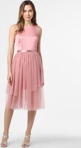 Różowa sukienka Hugo Boss rozkloszowana midi