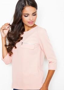 Różowa bluzka Figl w stylu casual z krótkim rękawem