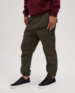 Zielone spodnie Diverse