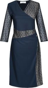 Granatowa sukienka Fokus midi z dekoltem w kształcie litery v