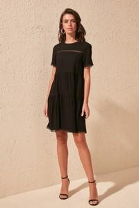 Sukienka Trendyol prosta mini z krótkim rękawem