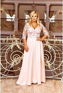 Różowa sukienka Bosca z dekoltem w kształcie litery v
