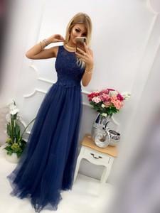 Sukienka E-sukienki.pl z tiulu maxi