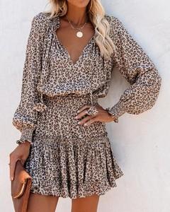 Brązowa sukienka Kendallme kopertowa w stylu casual z długim rękawem