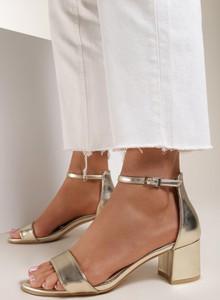 Złote sandały Renee z klamrami
