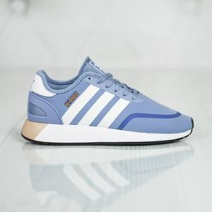 3cb8326e78be8 Niebieskie buty sportowe Adidas sznurowane na koturnie w sportowym stylu