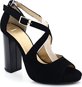 Czarne sandały Tymoteo na obcasie w stylu klasycznym na wysokim obcasie
