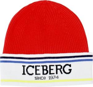 Czerwona czapka Iceberg