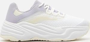Buty sportowe Cropp sznurowane na platformie