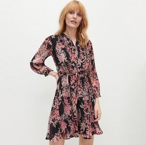 Sukienka Reserved z tkaniny z długim rękawem z dekoltem w kształcie litery v