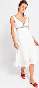 Sukienka Surkana midi na ramiączkach