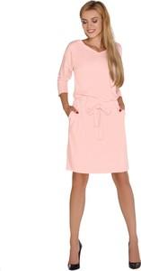 Różowa sukienka MERRIBEL z dzianiny w stylu casual z długim rękawem