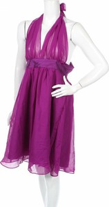 Sukienka Donna Bella z dekoltem w kształcie litery v bez rękawów