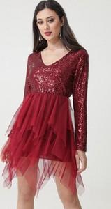 Czerwona sukienka born2be z długim rękawem