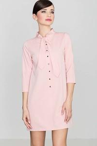 Różowa sukienka Katrus z żabotem koszulowa mini