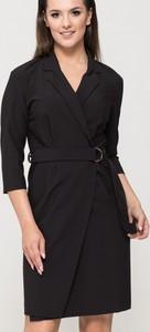 Sukienka VISSAVI w stylu casual z dekoltem w kształcie litery v