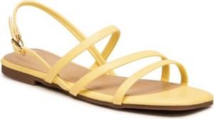 Żółte sandały Jenny Fairy w stylu casual z płaską podeszwą z klamrami