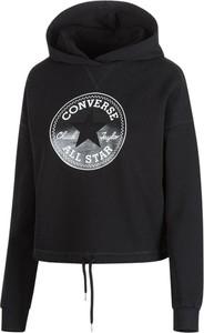 Czarna bluza Converse w młodzieżowym stylu