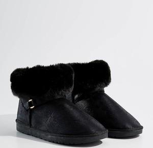 Czarne śniegowce Mohito w stylu casual