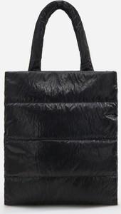 Czarna torebka Reserved pikowana duża