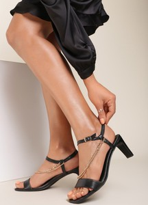 Sandały Renee na słupku z klamrami ze skóry
