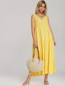 Sukienka Renee z dekoltem w kształcie litery v w stylu casual