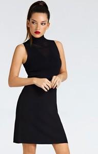 Czarna sukienka Guess z golfem mini