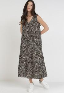 Sukienka born2be maxi na ramiączkach oversize