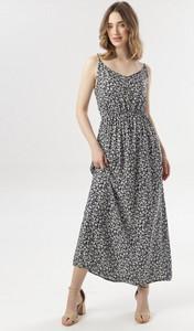 Sukienka born2be z dekoltem w kształcie litery v w stylu casual maxi