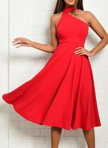 Czerwona sukienka Cikelly z okrągłym dekoltem bez rękawów
