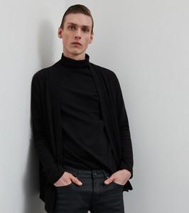 Czarna bluza Reserved z dzianiny