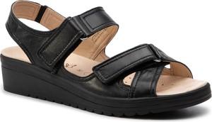 Czarne sandały Caprice ze skóry